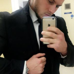 Male escort in Essex called Vigas Kunskis